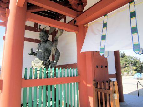 喜光寺南大門の仁王像