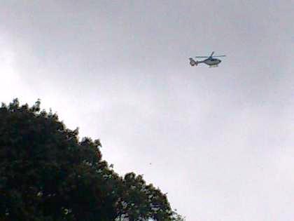 箸墓古墳上空のヘリコプター