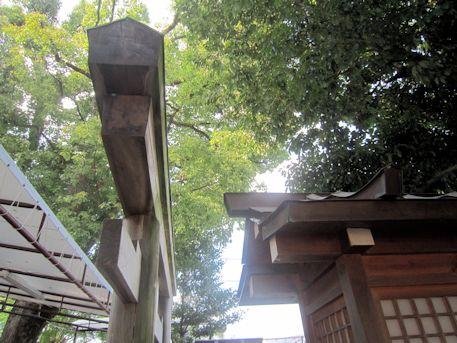 綱越神社鳥居の笠木