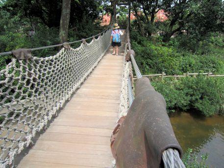 ディズニーランドの橋