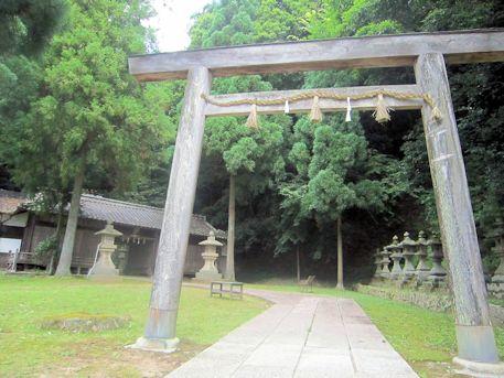 神楽岡神社の伊勢鳥居