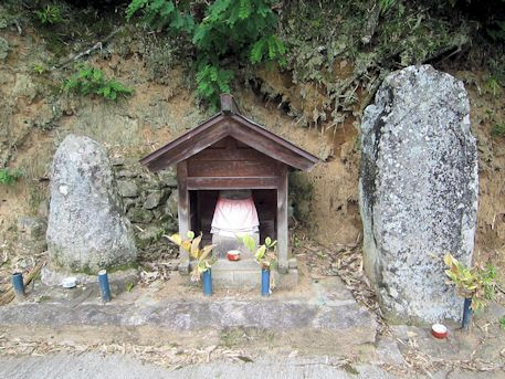 天益寺前石仏