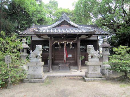 石上市神社拝殿