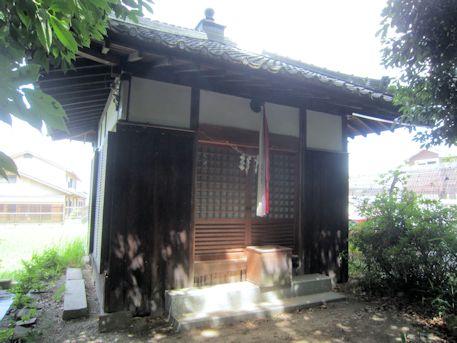 石上市神社横のお堂
