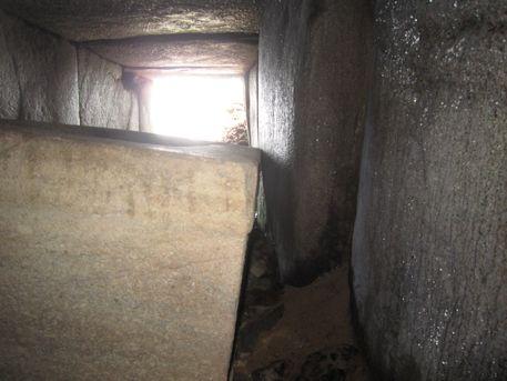 西宮古墳の玄室
