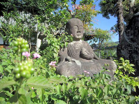 十輪院の地蔵石仏