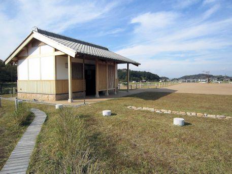 飛鳥京跡苑池の公衆トイレ