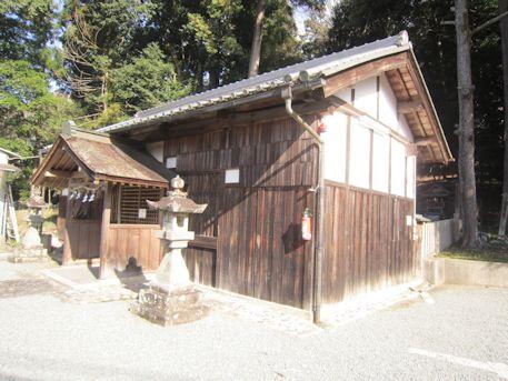 甲神社拝殿