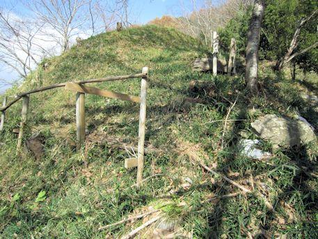 保久良古墳の西側墳丘