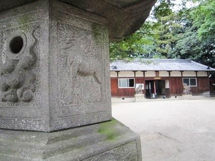 推古神社の石燈籠