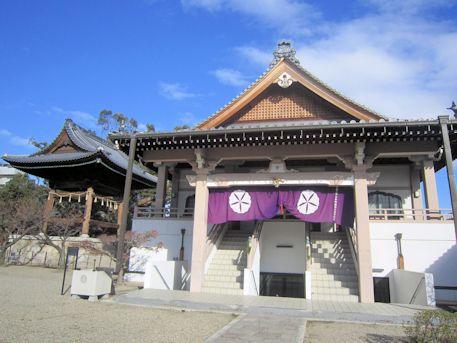 大念仏寺の鐘楼