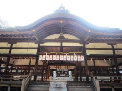 往馬大社拝殿