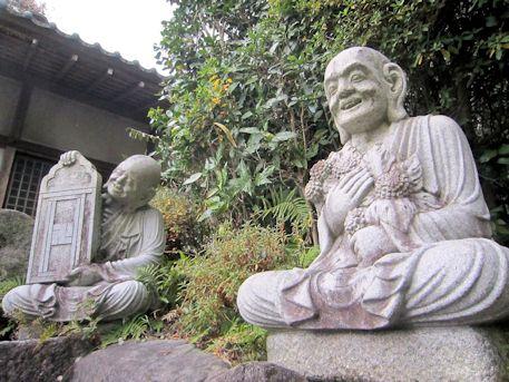 平等寺の十六羅漢像