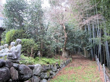 三輪山平等寺境内