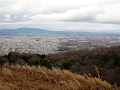 鶯塚古墳から望む奈良市街地