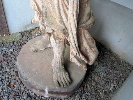 泉徳寺金剛力士像