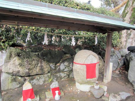 素戔嗚神社の地蔵石仏