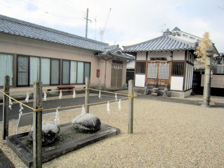 素戔嗚神社の薬師堂