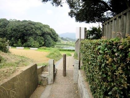 吉備姫王墓と欽明天皇陵