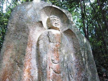 長岳寺弥勒大石棺仏