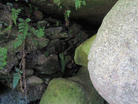 室宮山古墳の長持形石棺