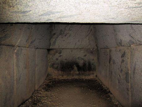 岩屋山古墳の横穴式石室