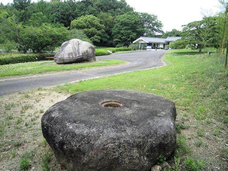 山田寺の塔心礎