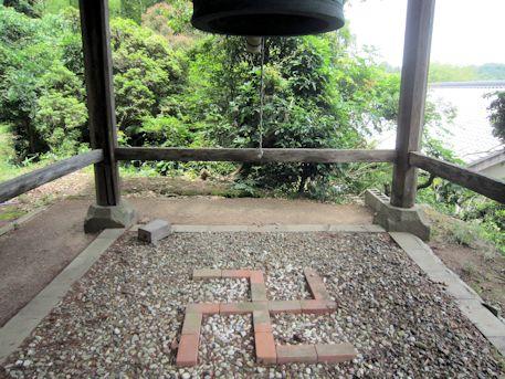 多田来迎寺鐘楼