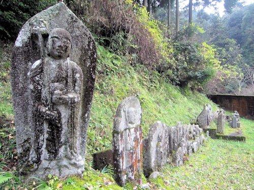 談山神社下手の地蔵石仏