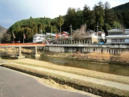宇陀川と墨坂神社