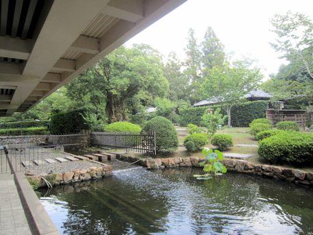 奈良国立博物館の庭園