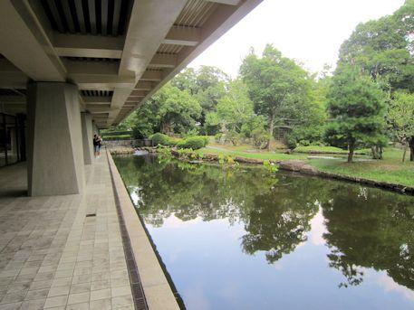 奈良国立博物館の庭