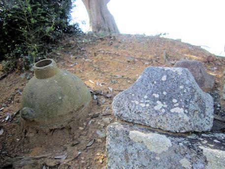 石川精舎跡の壺