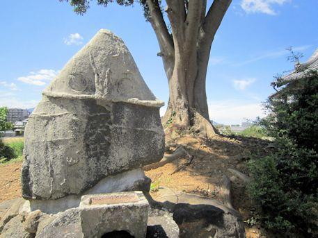 石川精舎跡の磐座