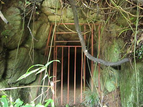 二塚古墳の後円部横穴式石室