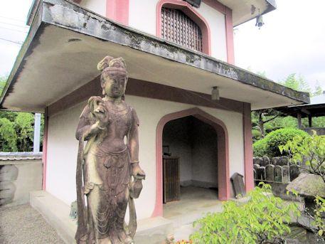 浄願寺観音立像