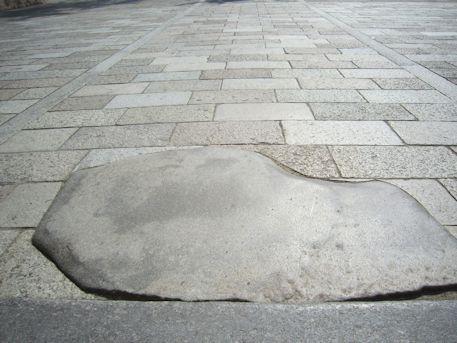 法隆寺鯛石