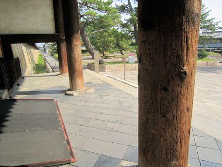 法隆寺南大門の柱